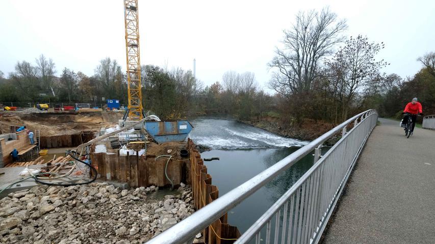 Nürnberg , am 21.11.2020..Ressort: Lokales ..Foto: Roland Fengler..,....Wie geht es mit der (Baustelle der) Nürnberger Dauerwelle weiter?,....Vereinsmitglieder mit einigen Arbeiten am Kanal .