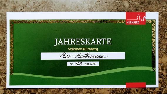 So sieht die Jahreskarte aus, mit der man die Sanierung des Nürnberger Volksbads unterstützen kann. Gültig ist sie ab dem ersten Eröffnungstag irgendwann in vier Jahren.