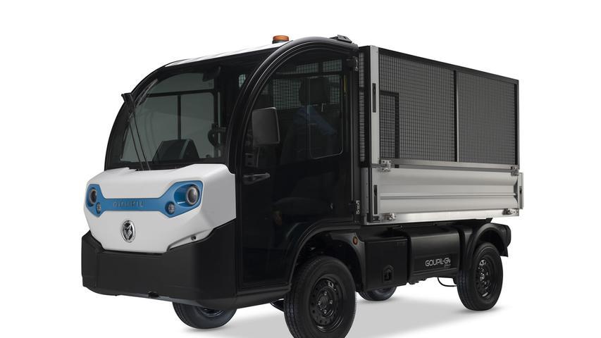 Auch den Goupil G4 gibt es in verschiedenen Versionen. Kunden haben die Wahl unter Flüssigkeitsbatterien mit 8,6, 11,5 oder 15,4 kWh Kapazität, zudem stehen Lithium-Akkus mit 9 und 13,8 kWh zur Verfügung. Die Praxis-Reichweiten variieren zwischen 50 und 120 Kilometern. Preislich sind ab 20.167 Euro anzulegen.