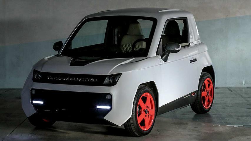 Aus Italien kommt der 2,78 Meter kurze Tazzari Zero City. Sein Induktionsmotor leistet 15 kW, das 14,4-kWh-Batteriepack ermöglicht bis zu 200 Kilometer Strecke. Preislich startet der in Imola gefertigte Kleinstwagen bei 18.207 Euro, dann allerdings mit 7,8-kWh-Akku.
