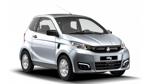 Der Aixam ECity Pack ist ein Zweisitzer mit 6 kW Leistung. Er fährt bis zu 45 km/h schnell, die Maximal-Reichweite liegt bei 130 Kilometern. Preis: Ab 14.390 Euro.
