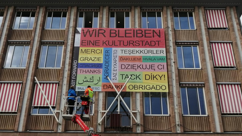 Kurz nach der Verkündung des Titels für Chemnitz, postulierte Nürnberg an der Rathausfassade:
