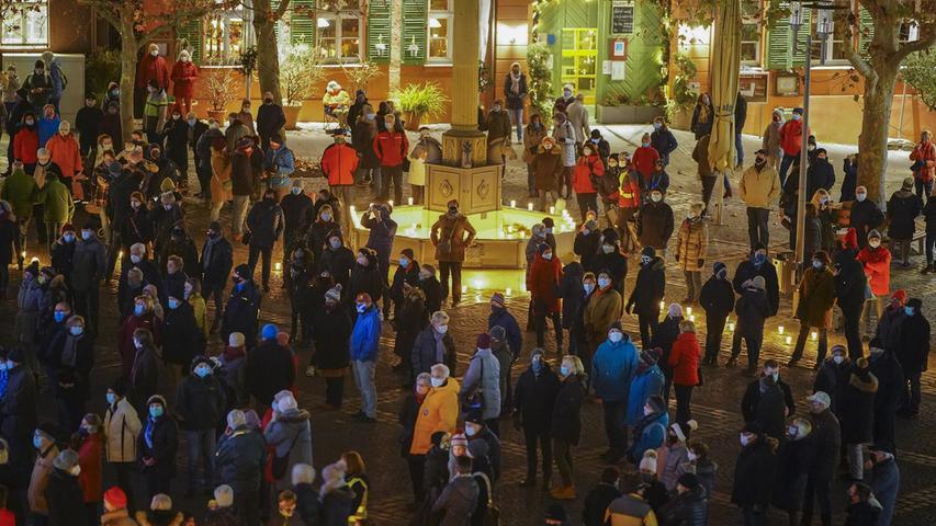Schwabach glänzt im Advent 2020.Foto Salvatore Giurdanella.Alle mit Maske