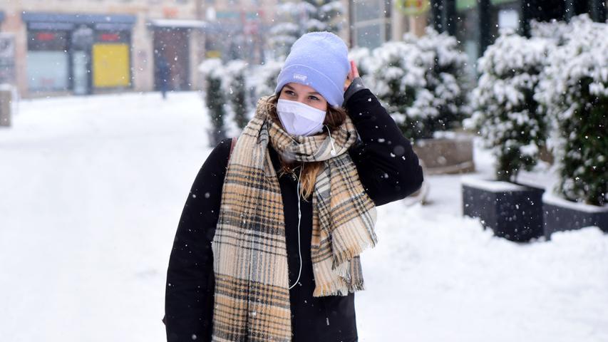 FOTO: Hana-Joachim Winckler DATUM: 01.12.20..MOTIV: Erster Schnee in diesem Winter - pünklich zum 1. Dezember - Vorm LEZ