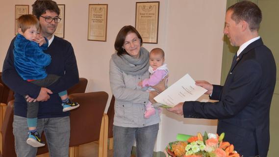 Ehre für Großfamilie: Bundespräsident ist Pate des siebten Kindes