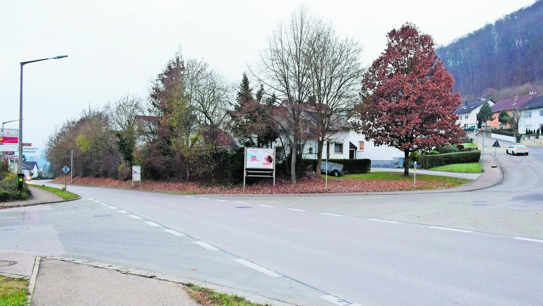 Der Vorschlag des Ingenieurbüros, eine Überquerungshilfe für Fußgänger am Übergang der Rappenbergstraße (re.) zur Ansbacher Straße (mittig) einzurichten, fand im Stadtrat große Zustimmung.