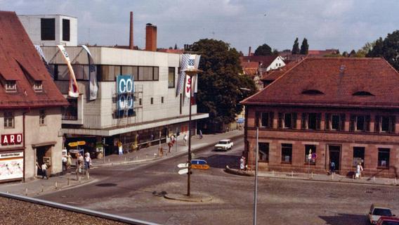 Der Postplatz: Moderner Aufbruch oder zwei Bausünden?