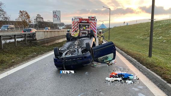 Bei Fürth: Auto überschlägt sich auf der Südwesttangente