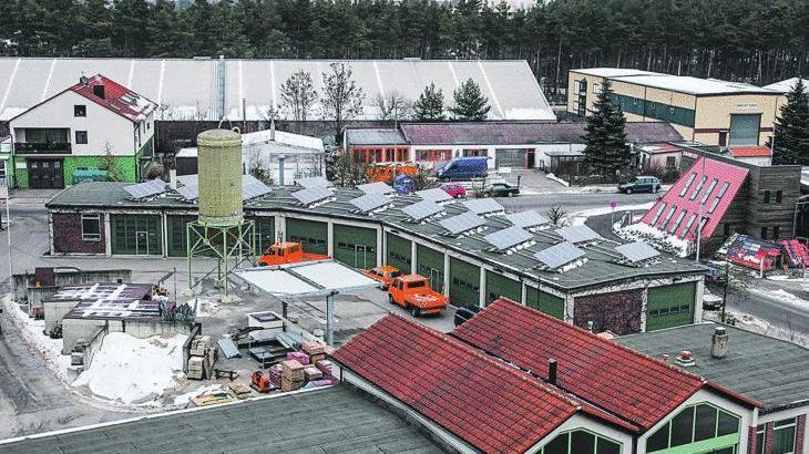 Original: Die Photovoltaikanlage auf dem Röthenbacher Bauhof ist eines von mehreren Projekten zum Klimaschutz. Was künftig sonst noch in Sachen Energiewende getan werden kann, soll ein Klimaschutzbeauftragter ermitteln, der von vier Kommunen gemeinsam beschäftigt werden könnte.