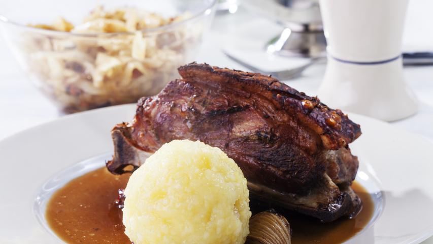 Wenn es in den Kantinen der N-Ergie zum Mittagessen Schäufele mit Kloß gibt, schlagen pro Tag meist um die 600 Menschen zu. Das macht das fränkische Gericht zum beliebtestender Gastronomieeinrichtungen des Konzerns.