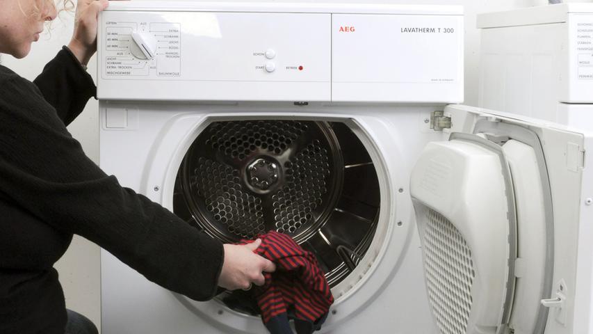 Reinigungsdienstleister und Waschsalons bleiben offen.