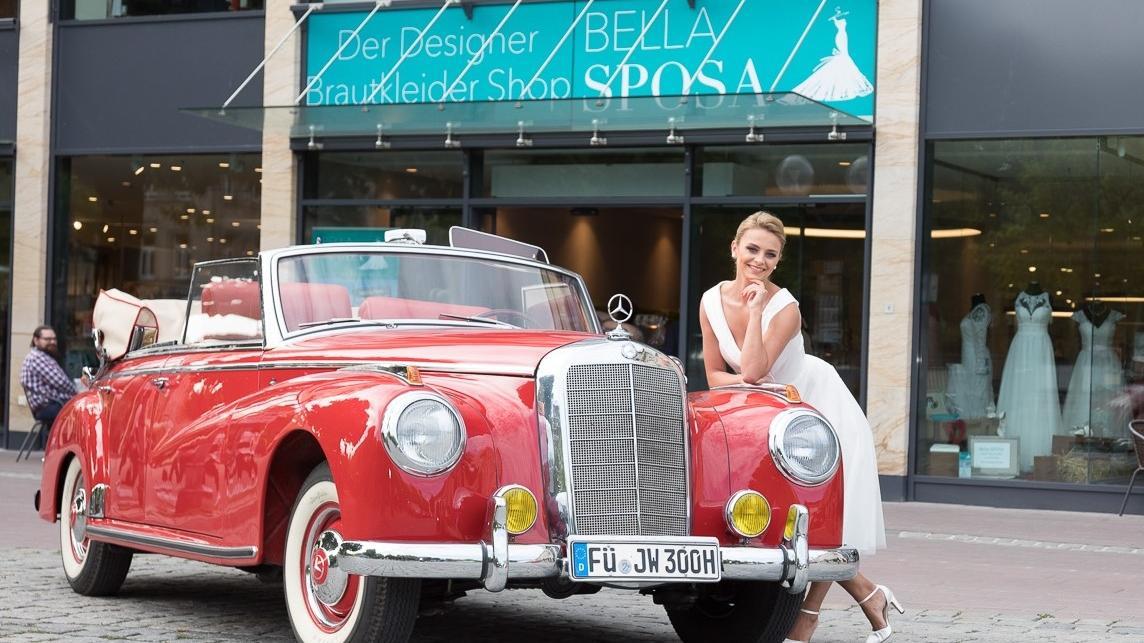 Wer ist die schönste Braut? Kandidatin Asya ging für die VOX-Sendung im Brautmodegeschäft Bella Sposa an der Fürther Freiheit auf die Suche nach dem perfekten Kleid..