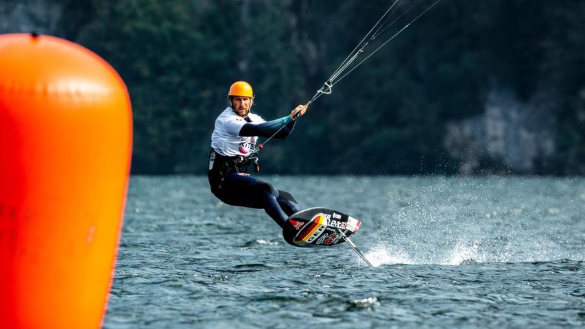Zum Beispiel für Kite-Surfer Florian Gruber, der seine internationale Klasse erneut beweisen konnte und der im Oktober gemeinsam mit Leonie Meyer die Silbermedaille bei der Europameisterschaft in Österreich holte.