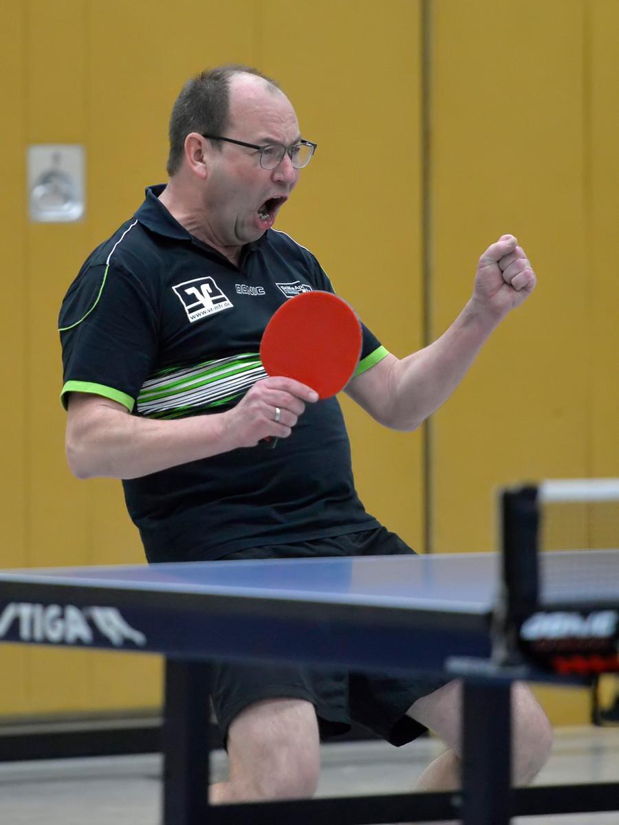 Foto: Martin Rügner Motiv: Tischtennis, Landesliga Westnordwest, SpVgg/DJK Wolframs-Eschenbach - TSV 1860 Ansbach II Datum: 2/20 Alexander Zoubek