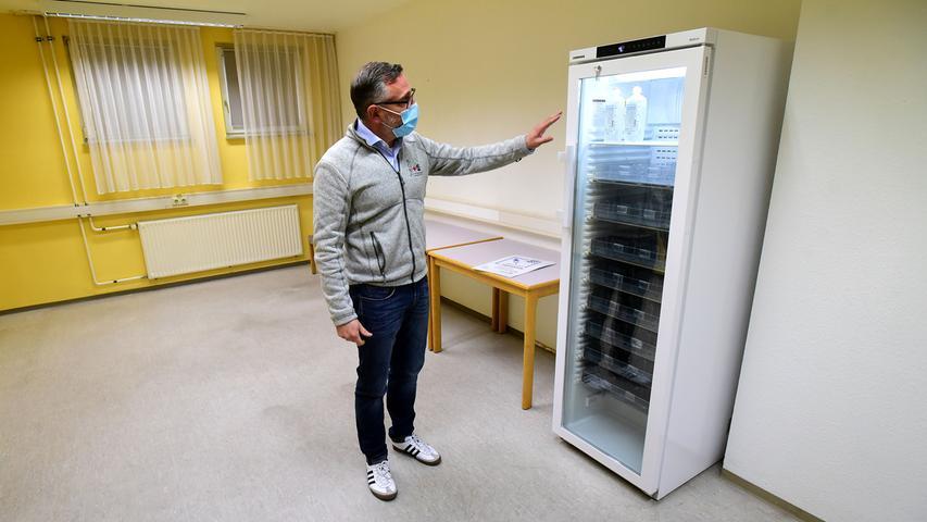 FOTO: Hans-Joachim Winckler DATUM: 15.12.20..MOTIV: Jetzt fehlt nur noch der Impfstoff: Das Impfzentrum Fürth im ehemlaigen Seniorenheim curanum in der Rosenstraße ist fertig