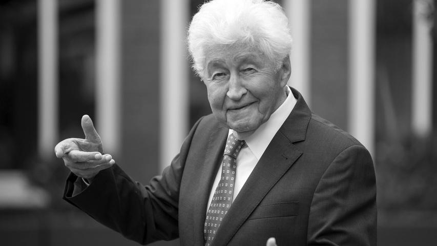 Mit den Fischer-Chören wurde er berühmt und nahm über 50 Alben auf: Gotthilf Fischer war über viele Jahrzehnte der Hüter des deutschen Liedguts. Er starb im Alter von 92 Jahren.