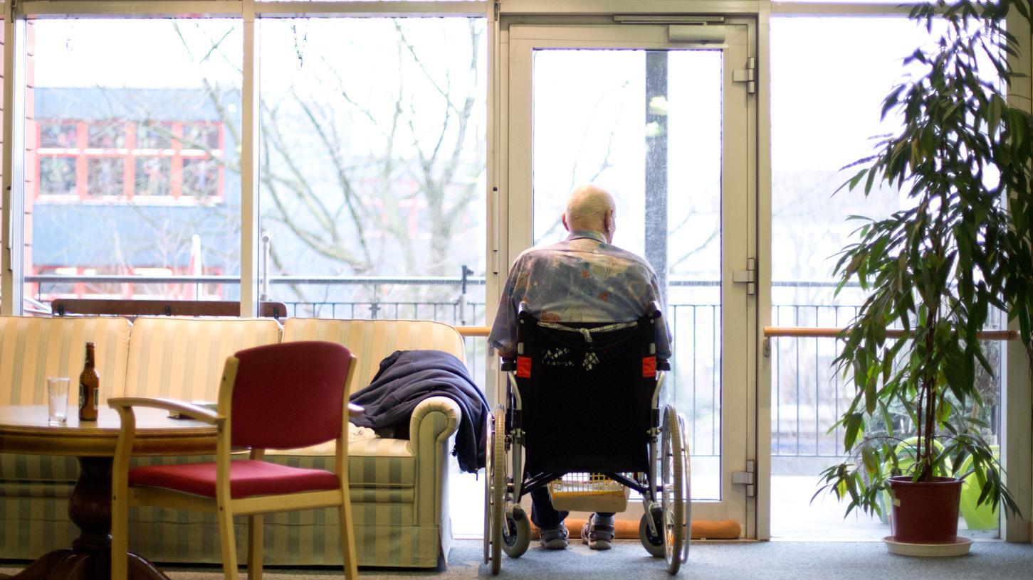 In Nürnberg sind viele Pflegeheime von Corona betroffen.