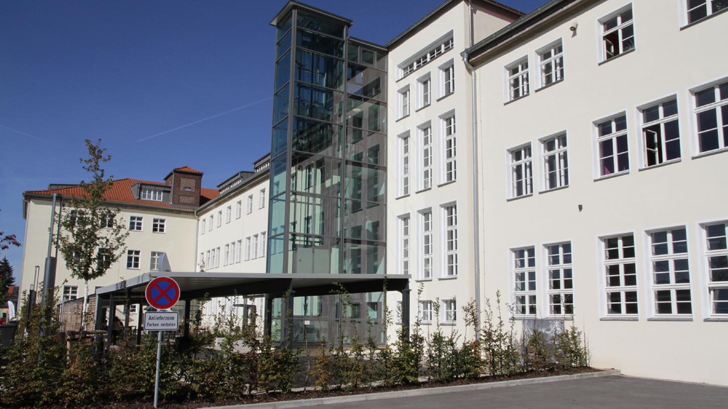 Das Sozialnetzwerk Arche übernimmt: Der neue Träger für die Fachoberschule und die Berufsfachschule für Altenpflege in Eggolsheim steht fest.