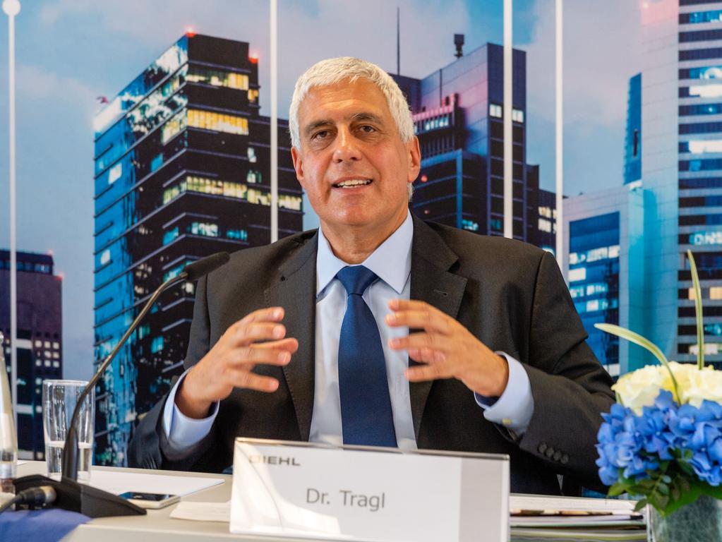 FOTO: Thomas Hierl, überm. von stela.meyer-balic@diehl.com, gesp. 7/2019..MOTIV: Portrait - Karl Tragl - Vorstand - Bilanzpressekonferenz bei Diehl