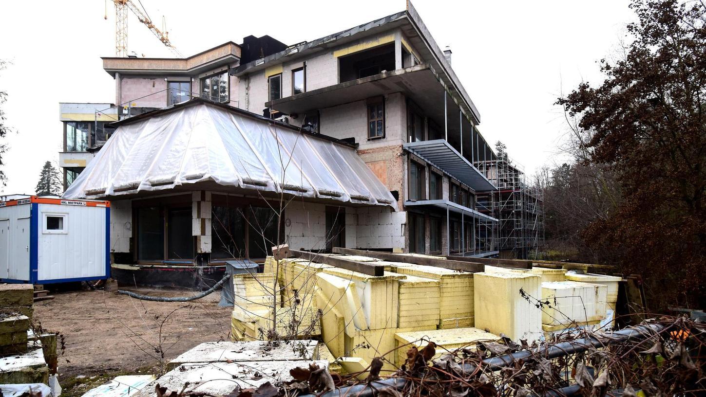 """""""Grobe Mängel"""": Im Auftrag der Eigentümer wird am Möbel-Maag-Komplex wieder gearbeitet. Probleme machen dabei nicht nur die Balkone."""