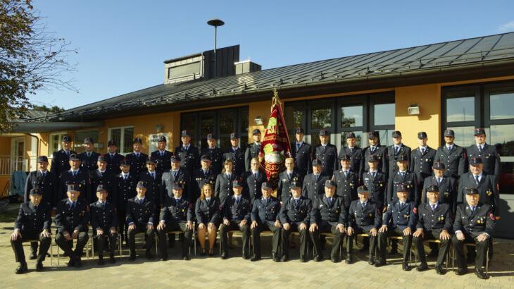 Die aktuelle Mannschaft der Freiwilligen Feuerwehr Ezelsdorf.