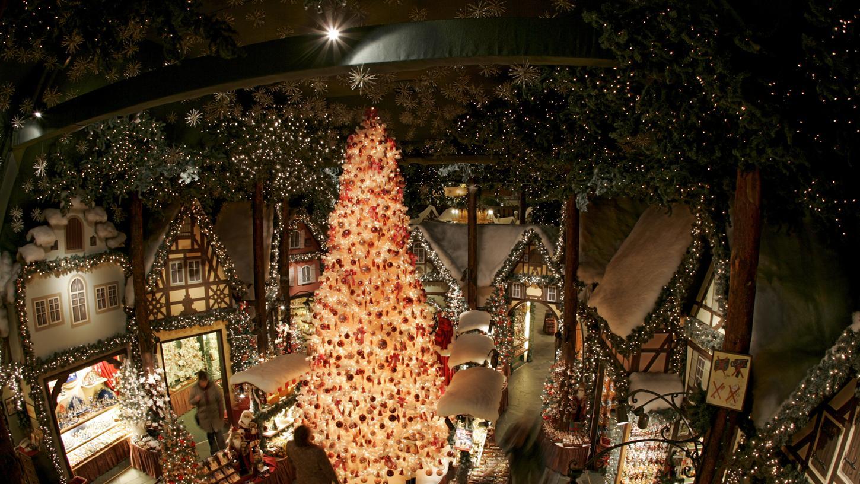 Normalerweise zieht das Weihnachtsdorf in Rothenburg Scharen an Toruisten an.