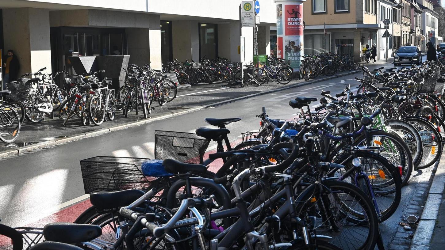 Kampf dem Chaos: Für Fahrräder soll es im neuen Parkraumkonzept der Stadt Erlangen mehr und bessere Abstellmöglichkeiten geben.
