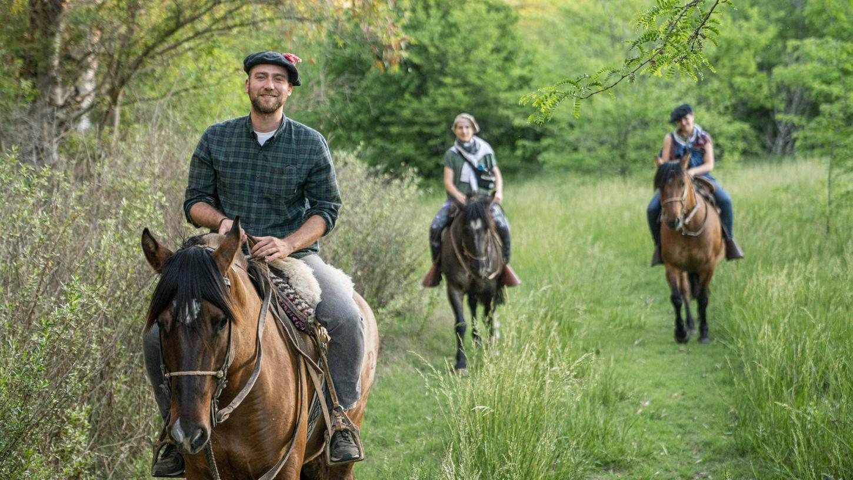 Martin Kießling (links) in der Prärie in Argentinien. Dort könnte sein nächster Doku-Film spielen.
