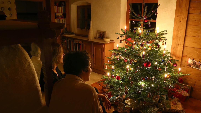 Weihnachten fällt dieses Jahr in einigen Familien wahrscheinlich kleiner aus als sonst - Feiern im engsten Kreis sind aber erlaubt.