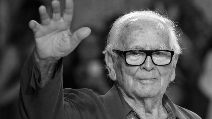 Pierre Cardin hat als Visionär die Mode revolutioniert und in über 70 Jahren ein wahres Imperium aufgebaut. Im Alter von 98 Jahren ist der französische Designer verstorben.