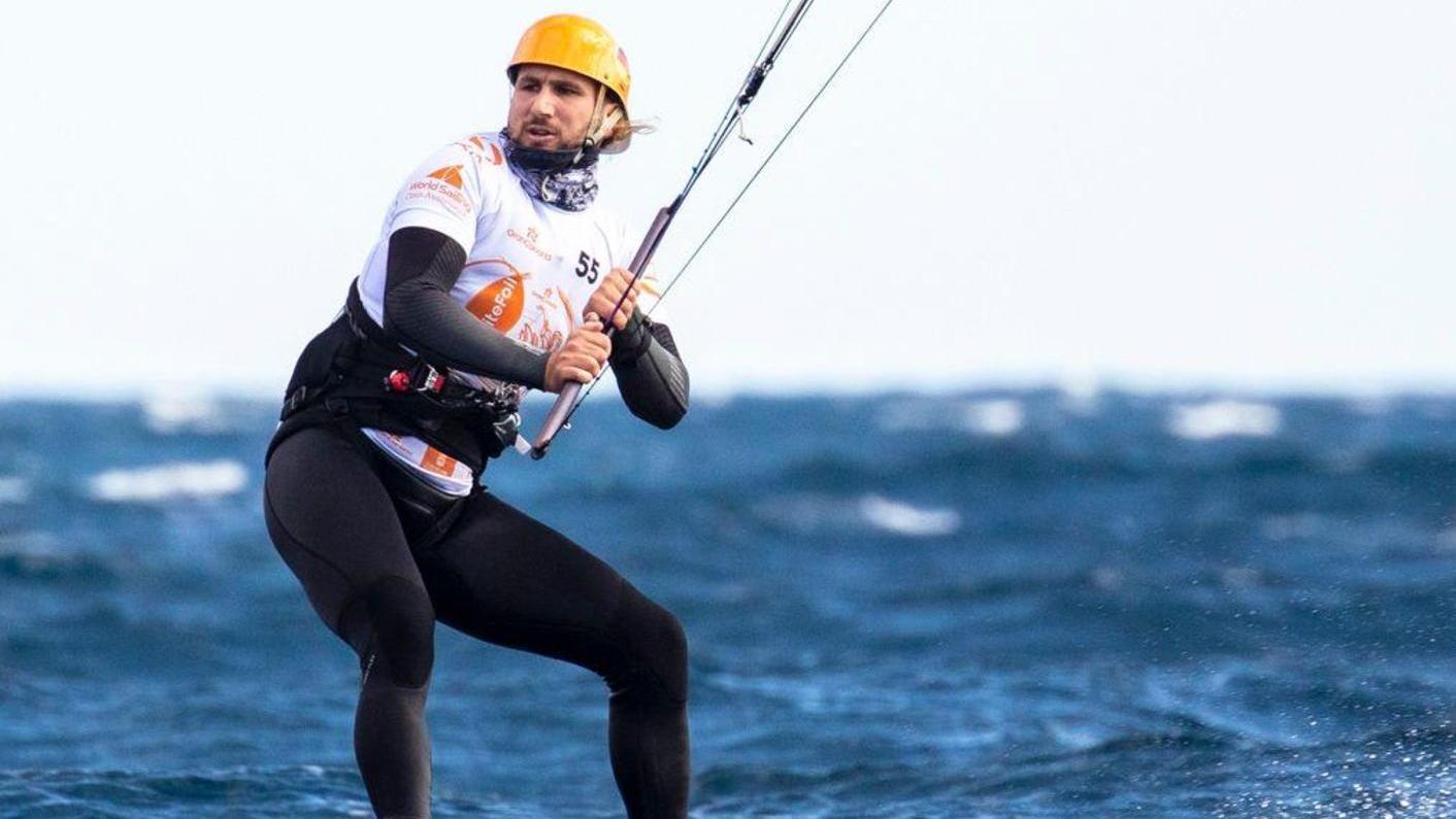 Sonst gerne auch im Seenland unterwegs, hier aber auf dem Atlantik vor Gran Canaria: Kitesurfer Florian Gruber.