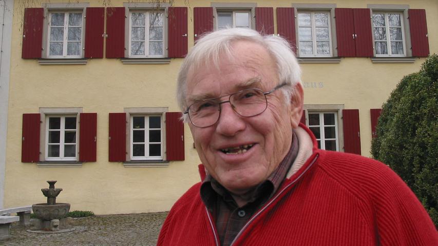 Dreißig Jahre lang stand er an der Spitze der Gemeinde Markt Berolzheim: Im März stirbt Altbürgermeister Hermann Bauermit 80 Jahren. Von 1978 bis 2008 saß der Zimmermeister ehrenamtlich für die CSU auf dem Chefsessel des Berolzheimer Rathauses, von 1984 bis 2008 war er Kreisrat. Besondere Anliegen waren ihm die Feuerwehr und die Aufarbeitung der jüdischen Vergangenheit des Ortes.