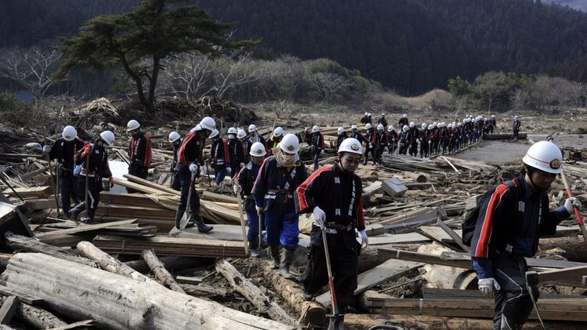 Die Suche nach Überlebenden: Hilfseinsatz in Fukushima
