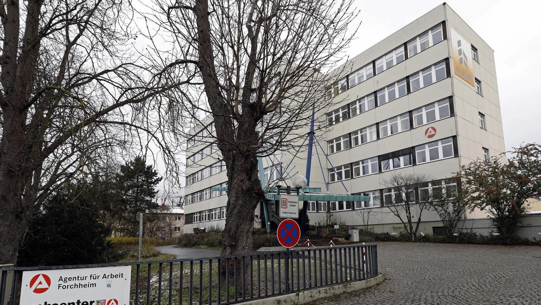 Die Agentur für Arbeit in Forchheim: Der harte Lockdown im Dezember hat nicht zu einer Entlassungswelle geführt.