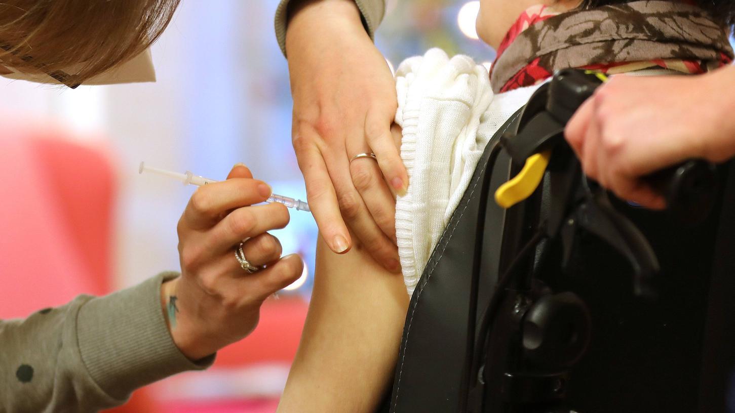 Das mobile Impfteam konnte Ende Januar nur einen Teil der BewohnerInnen des Kitzinger Seniorenheims impfen.