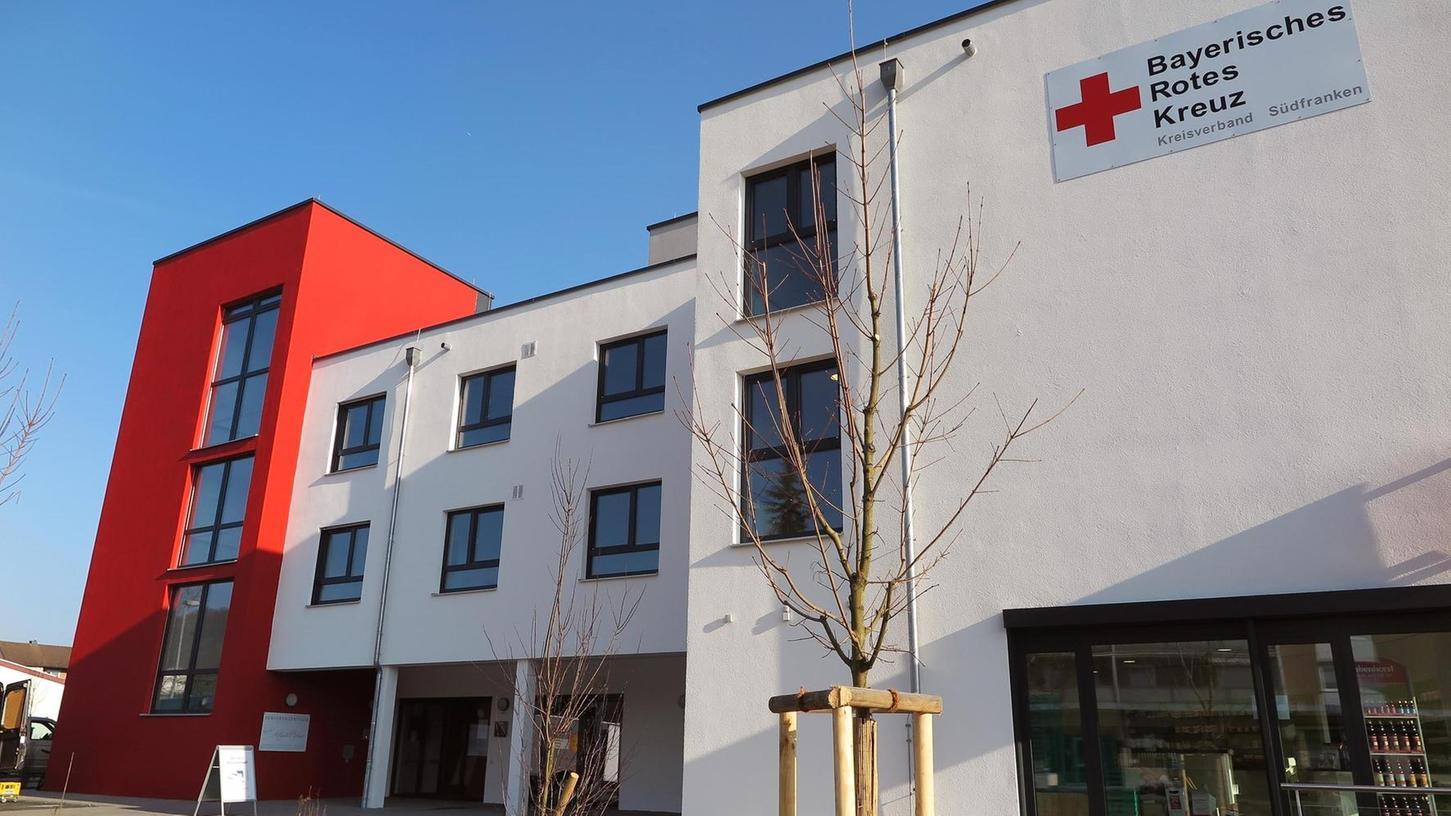 Erst vor knapp zwei Jahren hat der Rotkreuz-Kreisverband Südfranken sein neues Seniorenzentrum an der Treuchtlinger Altmühltherme eröffnet. Nun kämpft das Haus ebenso wie viele andere gegen die Corona-Pandemie.