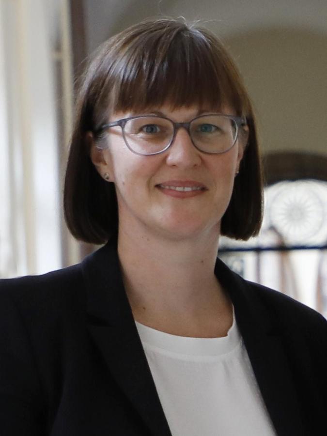 Gesundheitsreferentin Britta Walthelm positiv getestete Bürger jetzt auch per SMS erreichen.