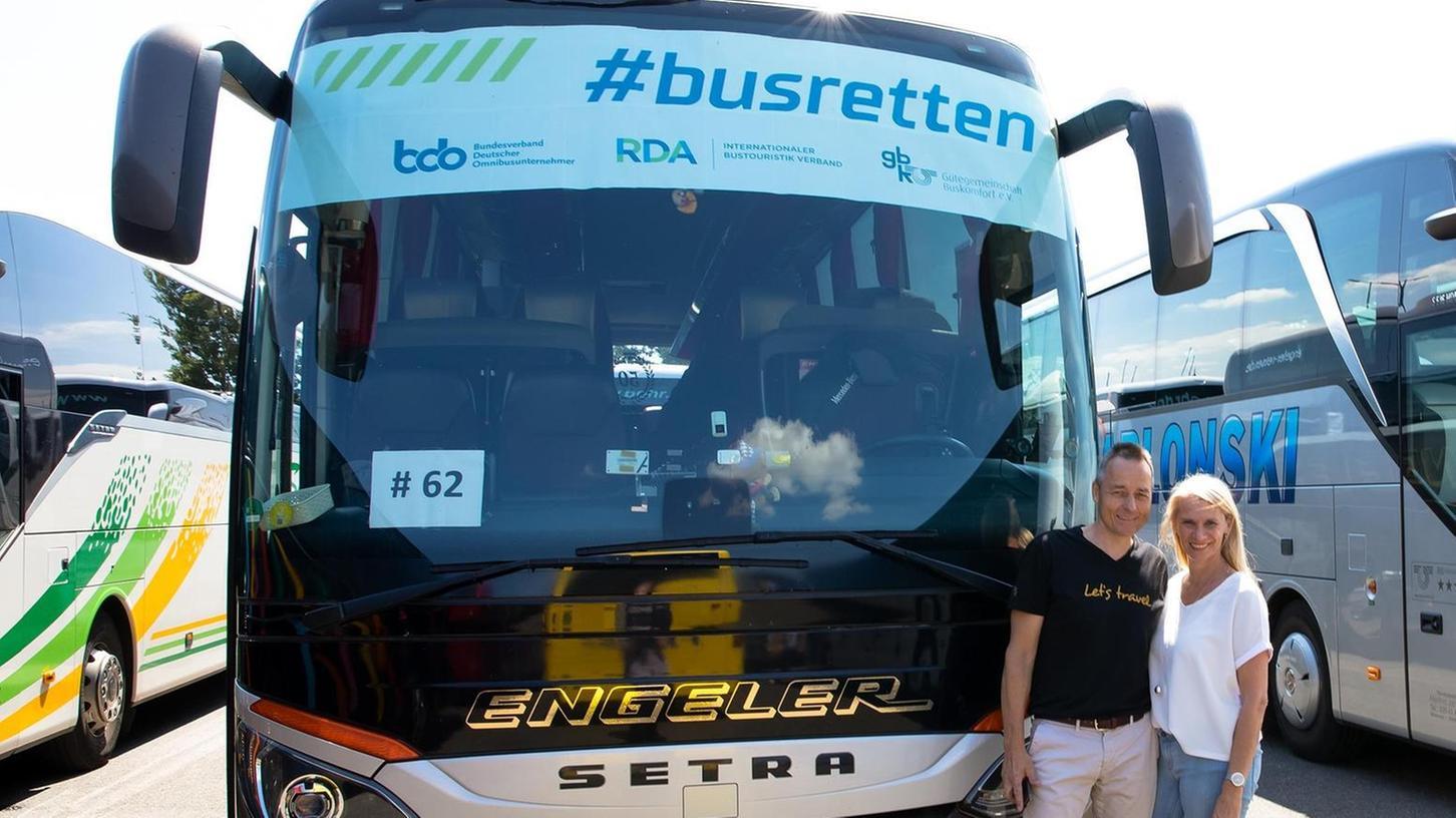 Am 27.Mai beteiligten sich Edwin und Birgit Engeler an einer Aktion der Deutschen Busunternehmerverbände in Mainz. Sie demonstrierten für das Überleben der Busreise – die aktuell erneut verboten ist.