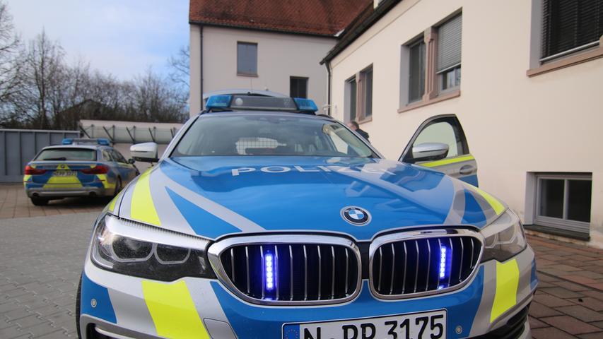 Wo gerast wird, braucht es Ordnung: Mit solchen PS-starken Polizeiautos sind die Beamten auf der Autobahn 7 unterwegs.