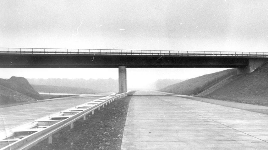 Noch ohne Autos und Laster - die Autobahn-Baustelle bei Langensteinach.