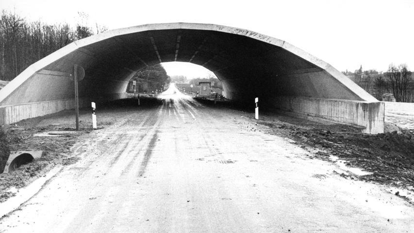 Doch nochmal zurück in der Zeitachse: Zahlreiche Bauwerke waren beim Bau der Autobahn unumgänglich.