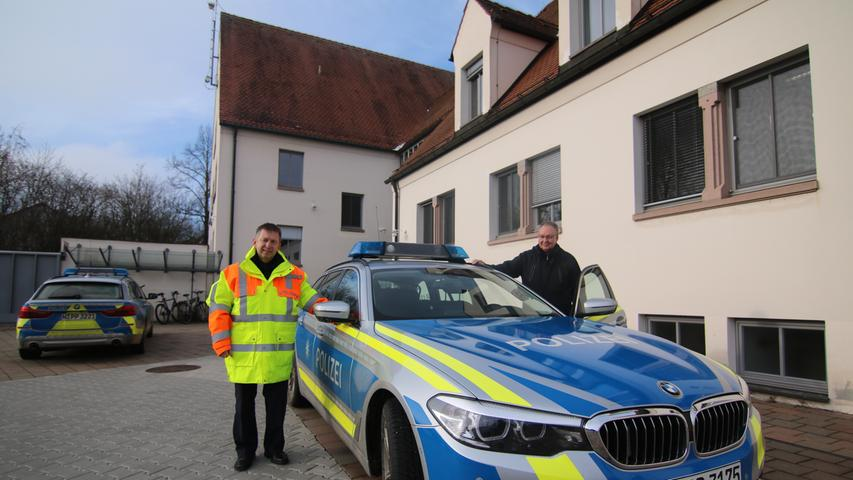 Hier die Gegenwart: Der für einen Teil der A7 zuständige Rothenburger Polizeichef Stefan Schuster (links) mit seinem Kollegen Michael Zankl.