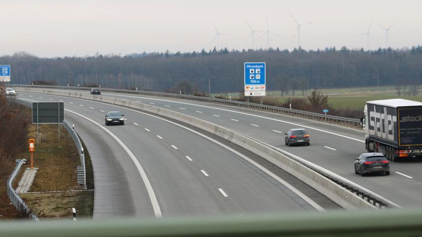 Also wieder auf die Autobahn. Oder ist eine Pause nötig? Die Rastanlage Ohrenbach ist schon ausgeschildert.
