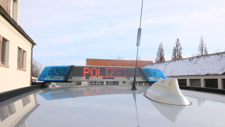 Nicht dass die Autobahnpolizei kommen muss und mit solchen modernen Lichtzeichen-Hinweisen zum Anhalten auffordern muss.