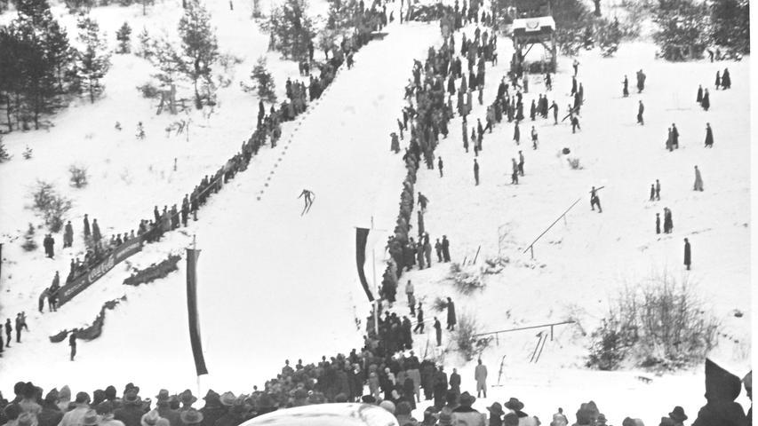 Als Pegnitz vom Fliegen träumte: die Skisprungschanze in Hainbronn