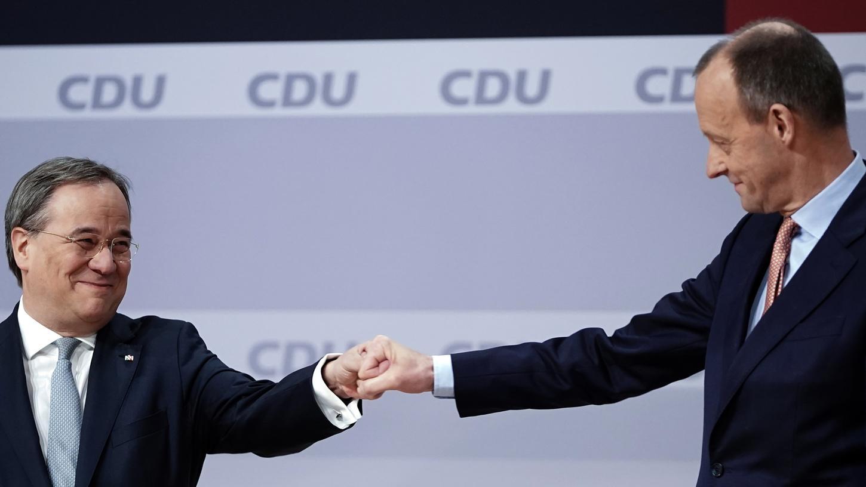 Armin Laschet (links) und Friedrich Merz sind um den Eindruck der Kooperation bemüht.