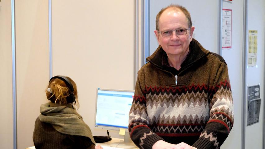 Der frühere Vorstandsvorsitzende des Nürnberger Klinikums, Alfred Estelmann, koordiniert die Nachverfolgung. Die bisherige Datenbank soll demnächst eingefroren werden, wenn eine neue Software installiert wird.