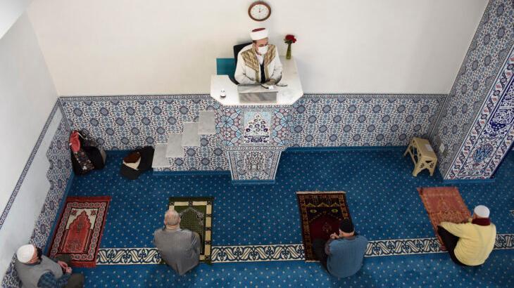 Das Freitagsgebet ist Pflicht für alle muslimischen Männer. Für Frauen ist es nur empfohlen.