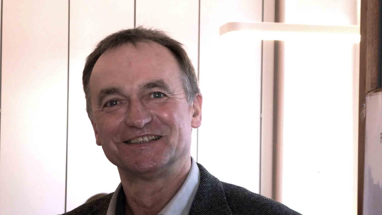 """Wirtschaftsförderer Harald Heinlein: Die Kreisstadt vermittelt Angebote des heimischen Handels auf """"vielen Kanälen""""."""