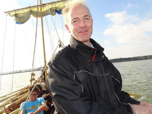 Der Erlanger Geschichtsprofessor Boris Dreyer hat das Projekt Römerboot an der FAU angestoßen und mit verwirklicht.    F.: privat
